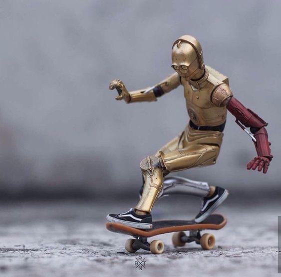 C3POとスケートボード