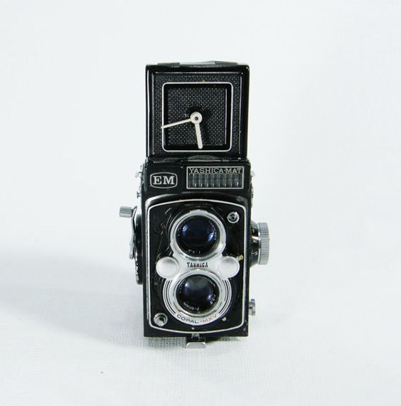Upcycled Camera Clock Vintage by ohiopicker on Etsy.  So much fun for a photography addict!
