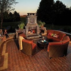 Copthorne Patio with Brussels Block and Brussels Dimensional Wall - Joe and Tony Landscaping is your local authorized dealer for Unilock in Chicago's North Shore - Visit joeandtony.com