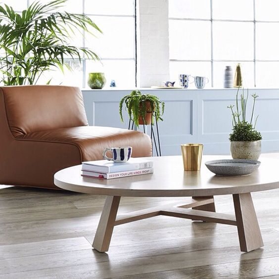 """""""The bold lines of our Flynn coffee table create a playful contrast with the Milo armchairs rounded forms. Image by Eve Wilson #jardanfurniture…"""""""