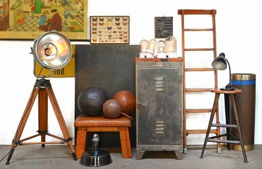 Vintage Industrielampen, Werkstattmöbel und Turngeräte