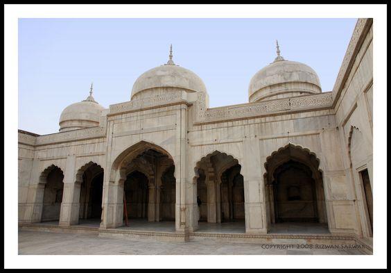 Moti Masjid at Lahore Fort Model.  Lahore 89