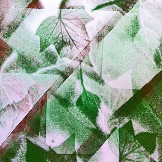 Workshop Naturfarben: In diesem Workshop lernt ihr, wie man aus der Natur Farben gewinnt. Wir machen uns auf die Suche nach natürlichen Farbstoffen im Englischen Garten und verarbeiten unsere Funde anschließend zu verschiedenen Farbtönen. Unsere selbstgemachten Farben probieren wir natürlich gleich mit dem Pinsel aus. Mo., 05.08.2013 | 10-16 Uhr  | Für Kinder von 6-9 Jahren | Auch im Studio 23: Für Jugendliche von 11-15 Jahren