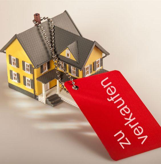 Haus verkaufen: Sie wollen Ihr Haus verkaufen? Mit kostenloser zertifizierten Wertermittlung und Erfahrung verkaufen wir Ihr Haus zum absoluten Bestpreis.