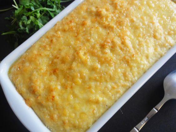 Gratin vegetarien de semoule au fromage  pour 4 personnes      130 g de semoule fine de blé dur     1L de lait demi écrémé     3 œufs     180 g de Comté     Sel, poivre et muscade