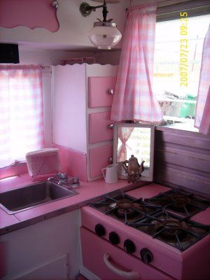 LIL' 53 CUTE AS A CUPCAKE VINTAGE HOUSEWIFE TRAILER...