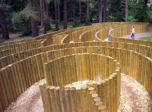 Ohhh, a camp maze!