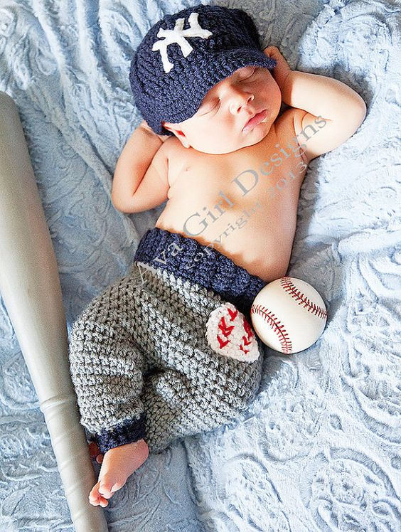 Newborn NY Yankees  baby cap and pants set by AvaGirlDesigns, $55.00