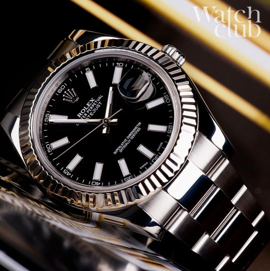 pics for gt rolex datejust black dial on wrist
