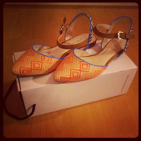#Lucyna from @aldo_shoes #Aldo #shoes #sandals #orange #blue #white