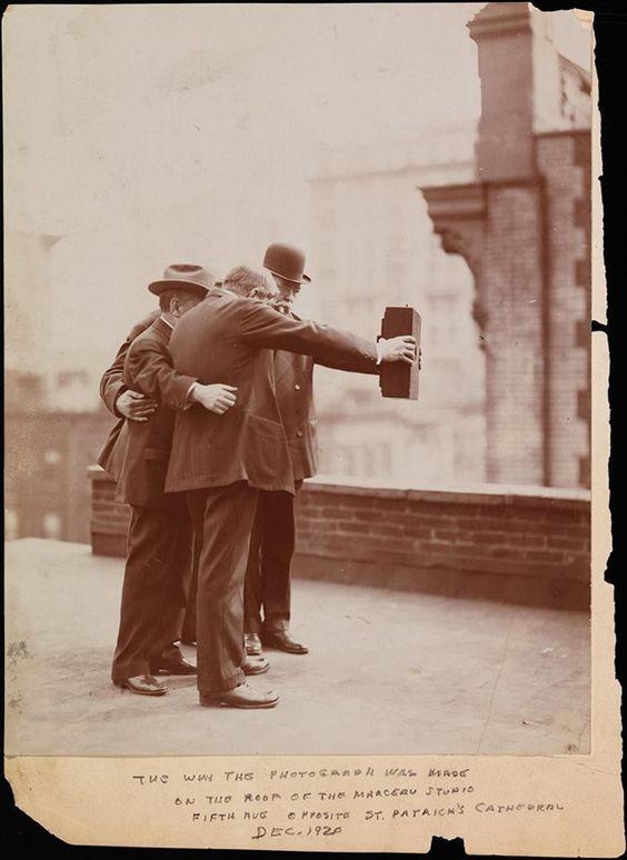 le tout premier selfie