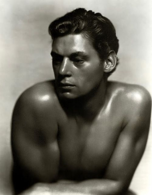 wehadfacesthen:    Johnny Weissmuller, 1930s, photo by George Hurrell