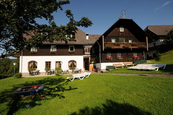 Unser Ponyhof in Ratten im Sommer  http://www.ponyhof-familienhotel.at