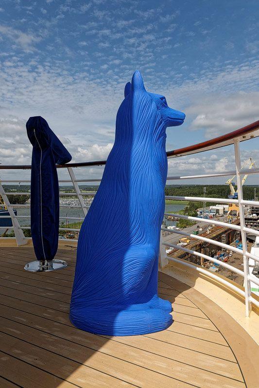 Bilder der Pools und Sonnendecks der Mein Schiff 5