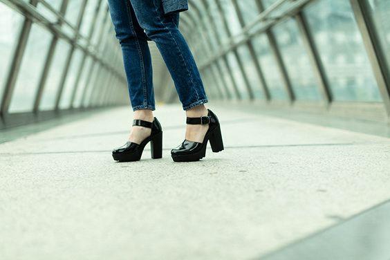 Chaussures noires vernies de la marque André