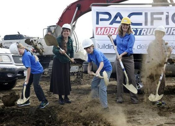 Construction starts on Three Rivers Homelink school, featuring MBI member Pacific Mobile Structures