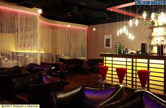 https://i.pinimg.com/564x/96/19/17/96191794ca4e29db61b091a2da64c36e--bar-interior-nightclub.jpg