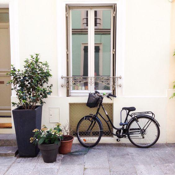 Самая несерьёзная улица Парижа / The most childish street of Paris | annacossack
