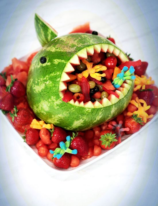 This Watermelon Shark Will Make Your Jaw Drop  |  Video how-to  |  yumsugar.com
