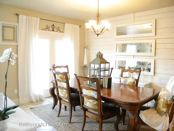 Country chic dining room!