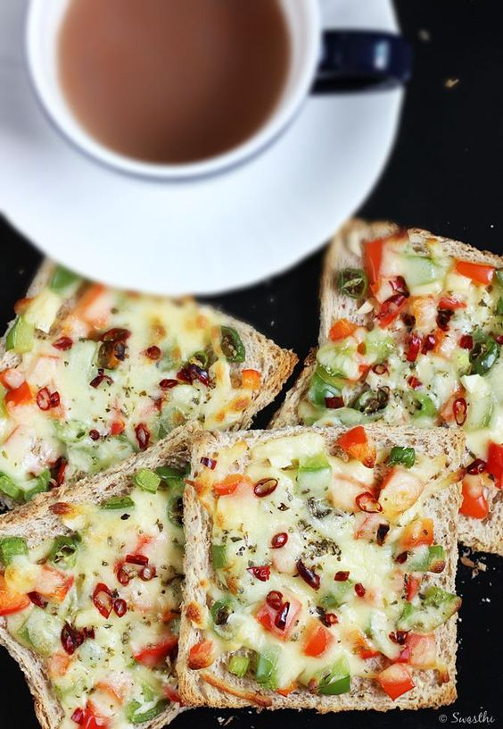 capsicum cheese toast recipe – Hot and cheesy toast made with bell peppers. It can be made for a quick evening snack or breakfast. This recipe can be tweaked to make any cheese toast of your choice with your favorite veggies. Carrots, cabbage, cauliflower, broccoli, tomato spinach, methi all go well to make this. This …
