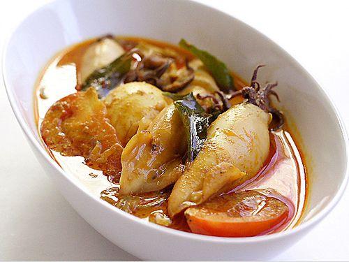 Gulai Sotong By Resep Makanan Keluarga Gulai Sotong Bahan Cumi Sotong 1 Kg Santan Dari 1 1 2 Kelapa 3 Gelas Kemangi Gulai Resep Masakan Cina Resep Seafood