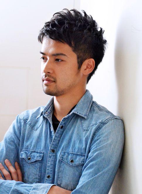 モダンヘアスタイル くせ毛 短髪 髪型 : jp.pinterest.com