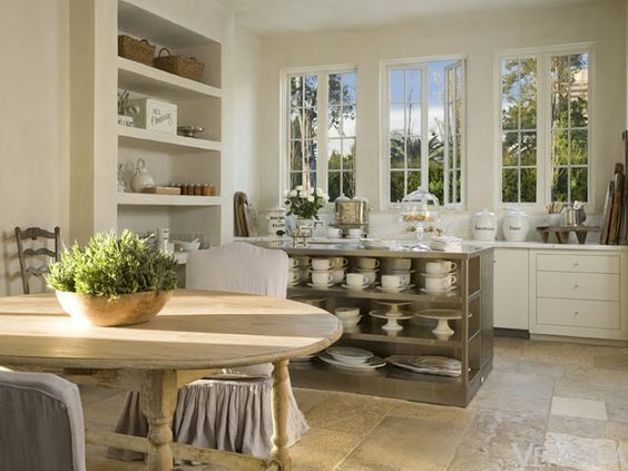 Serene and minimal white French farmhouse kitchen with antiques by Pamela Pierce/Timeless and tranquil interior design decorating ideas on Hello Lovely to inspire your own classic decor/Pamela Pierce/Giannetti Home/Shannon Bowers/Veranda/Milieu