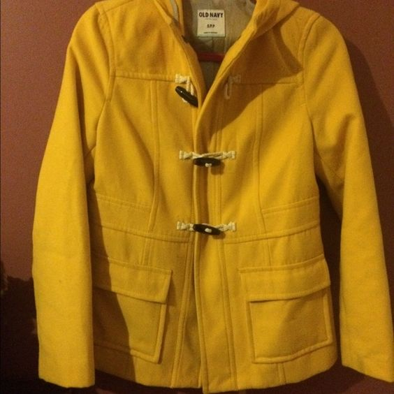 """Reminds me of the typical """"yellow raincoat"""" but this one is more like a peacoat! Old Navy Jackets & Coats Pea Coats"""