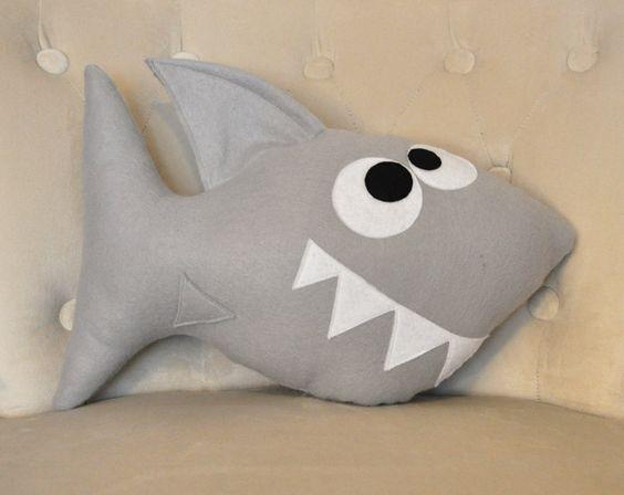Dieses Angebot ist ein DIY PDF-Muster für Chomp Shark Plüsch Kissen (nicht A gemacht SHARK Kissen). ***  Ihr PDF und druckbare Vorlage Muster