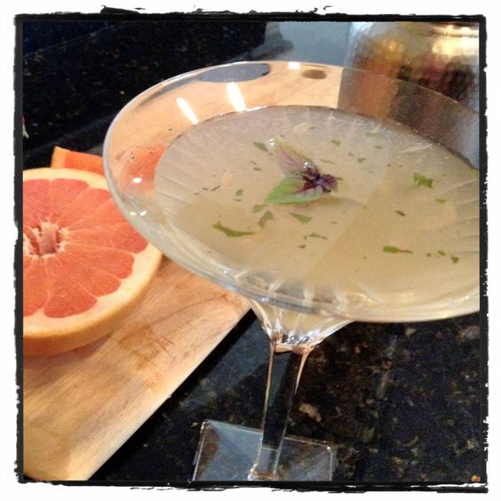 Summer Soltice #GardenPartyChat Grapefruit & Basil Sipper by @AnAppealingPlan