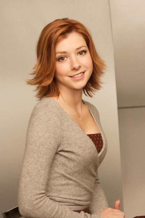 Pin By Rodney On Redhead S Alyson Hannigan Cute Hairstyles For Short Hair Redhead