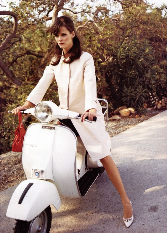 that 39 s my kind of girl vespa vintage 2wheels piaggio scooter ridecolorfully kate spade. Black Bedroom Furniture Sets. Home Design Ideas