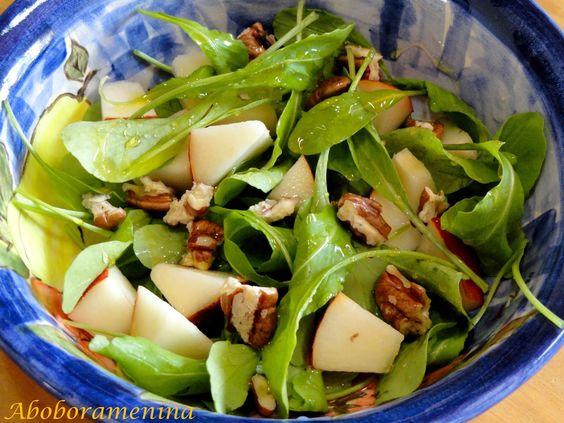 Salada de Mini Rúcula, Pera e Nozes | #salada                                                                                                                                                                                 Mais