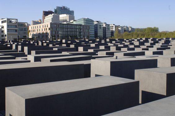 Das Denkmal fur die ermordeten Juden Europas Bild vergrossern