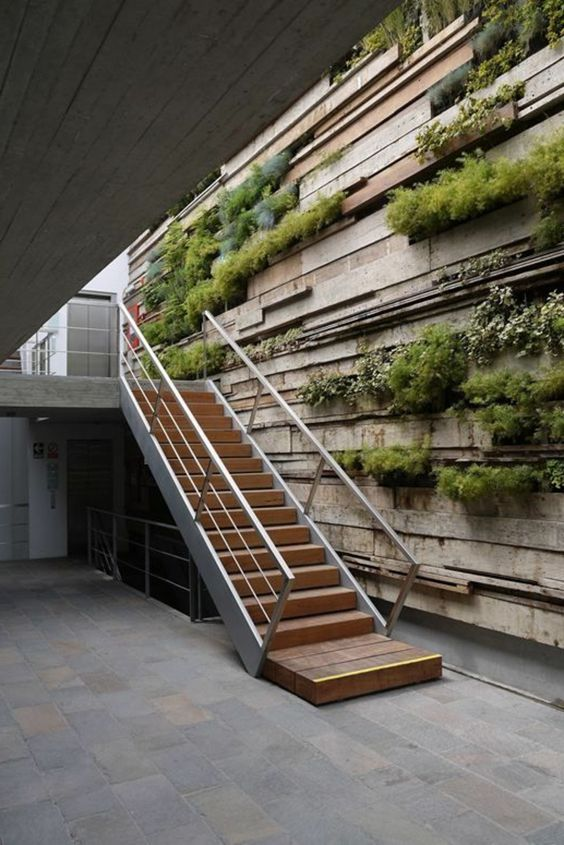 La d coration japonaise et l 39 int rieur japonais en 50 photos photos d - Idee deco mur escalier ...