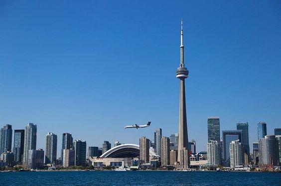 Autor: Rodrigo Corrêa Góes/RJ Foto Câm. Digital: Blue Sky Local: Toronto, Canadá
