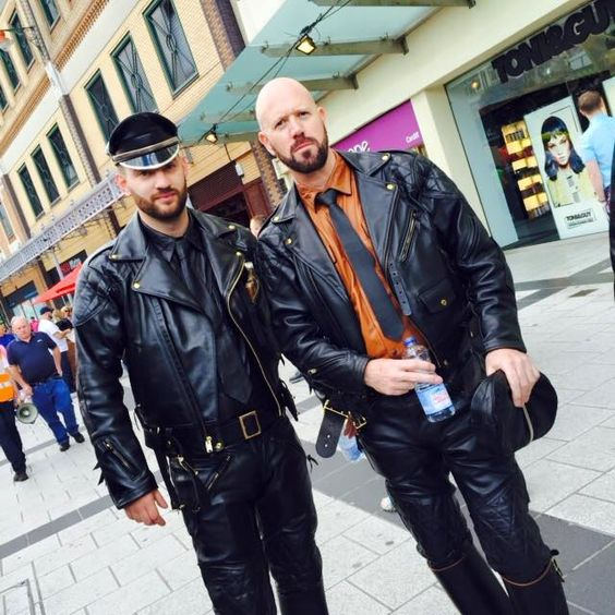 Leathermen Gay 102