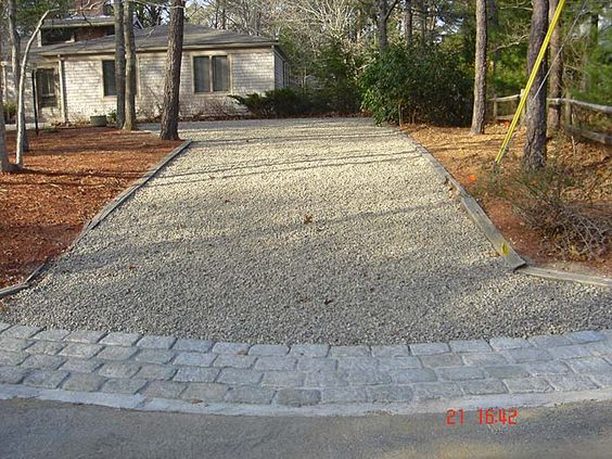Cobblestone Driveway Paver Edging And Gravel Driveway On