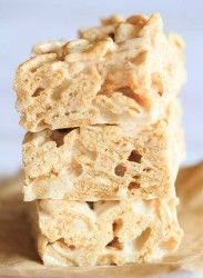 Cinnamon Toast Crunch Marshmallow Treats - A delicious, cinnamon-y riff on the classic Rice Krispie treats.   http://www.browneyedbaker.com/cinnamon-toast-crunch-marshmallow-treats