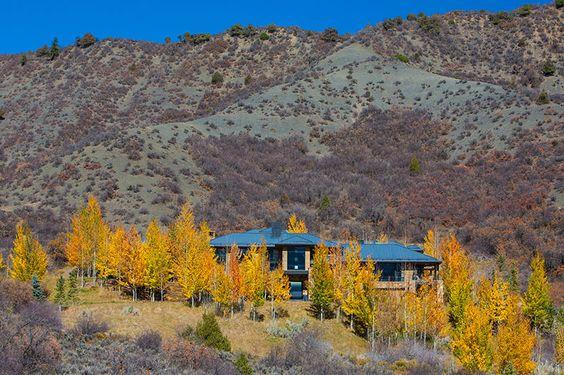 #curbappeal #views #mountains #landscape #luxury #aspen #snowmass #colorado #aspenREtours #photography #realestate Aspen Real Estate Tours | MLS#127645 | Joshua Saslove