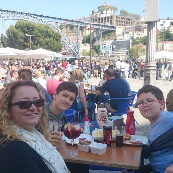 Dia de sol!  #portoportugal #ribeira #riodouro #douro #ribeiradoporto #porto #sol #amomuitotudoisso by meibelbeatriz