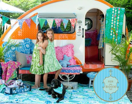 I want a caravan like this, with the fabric :)