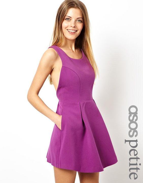 ASOS Petite ASOS PETITE - Kleid mit Tulpenrock und gekreuzten Rückenträgern - Gelb 34,99 €