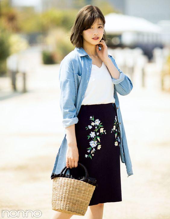 刺繍スカートの渡邊理沙