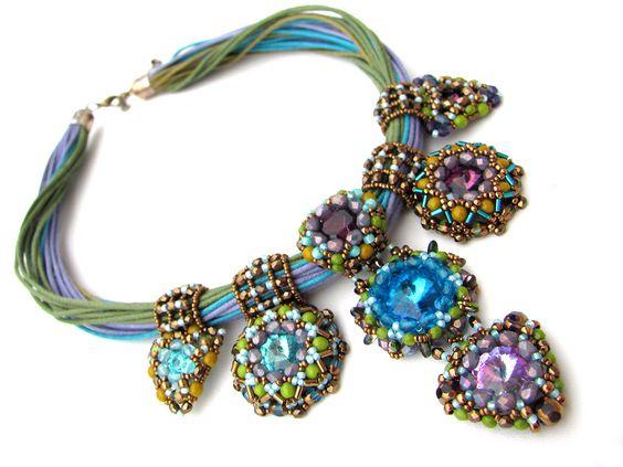 Beaded jewelry by Eva Dobos