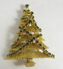 Vintage Christmas Tree Pin Green & Red Rhinestone Garland JJ: