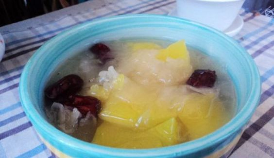 Pumpkin seeds and white fungus soup