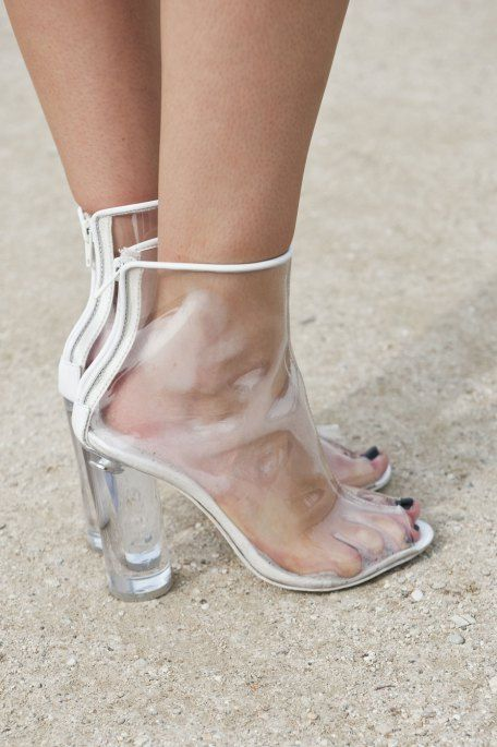 Science Weighs In on High Heels - The New York Times