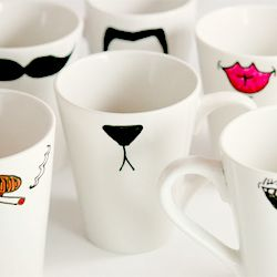 Simple DIY gifts for the holidays. Markers and dollar store mugs!
